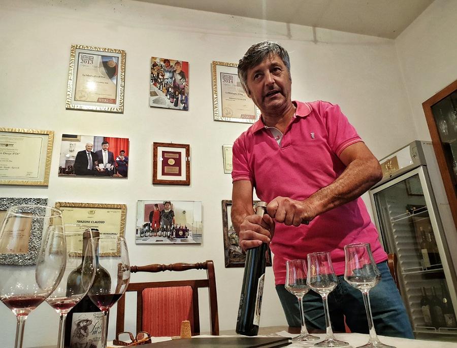 degustazione di vini dei colli piacentini all'azienda la conciglia di terzoni