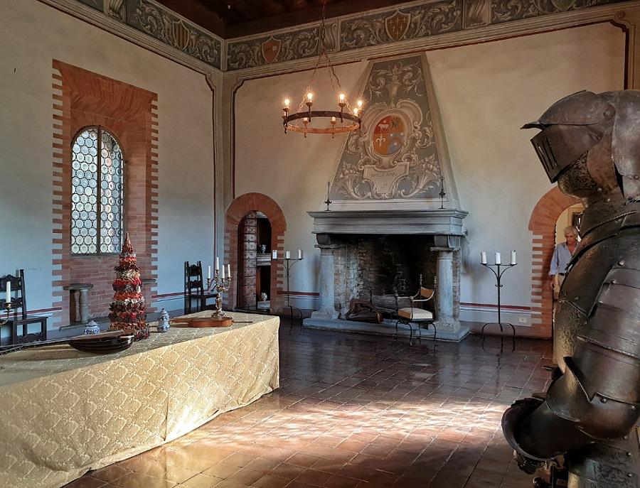 salone negli spazi interni del castello di gropparello