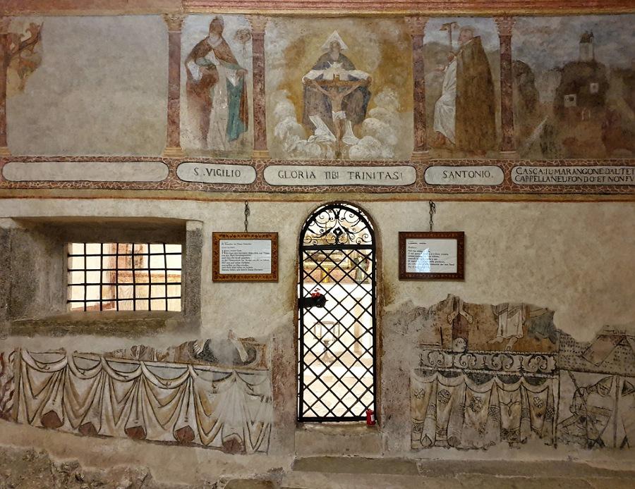 interni di san romedio_reliquie del santo
