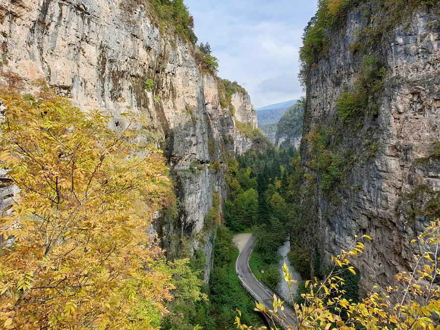 il canyon per arrivare a san romedio