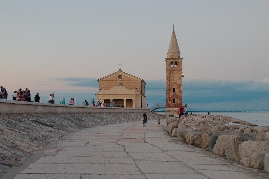 lungomare_caorle_cosa vedere nei dintorni di venezia