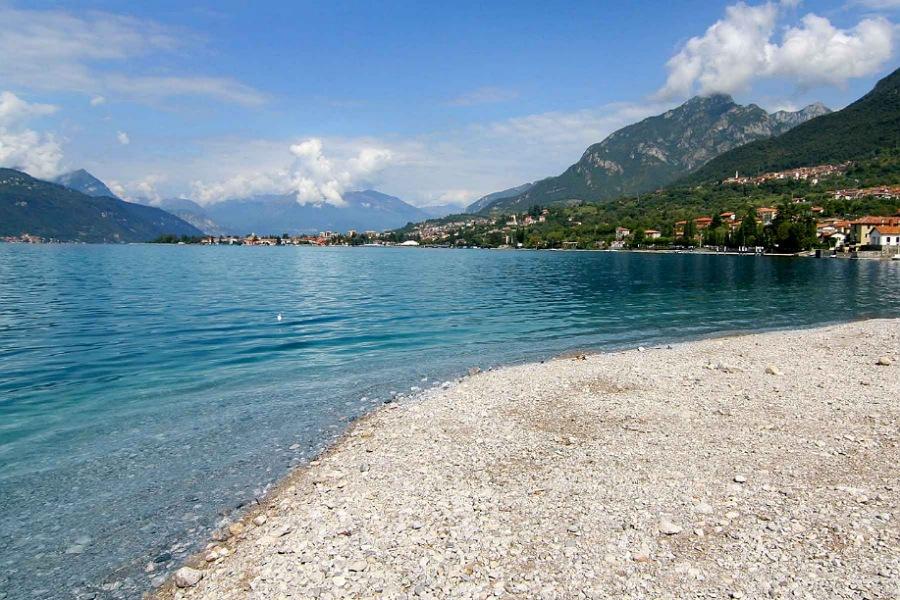 abbadia_spiagge lago di lecco_fare il bagno