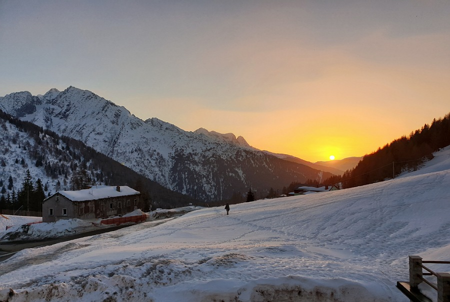 tramonti sulla neve al passo del tonale_ponte di legno