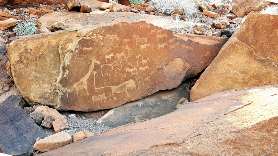 Incisioni rupestri a Twyfelfontein nel Damaraland
