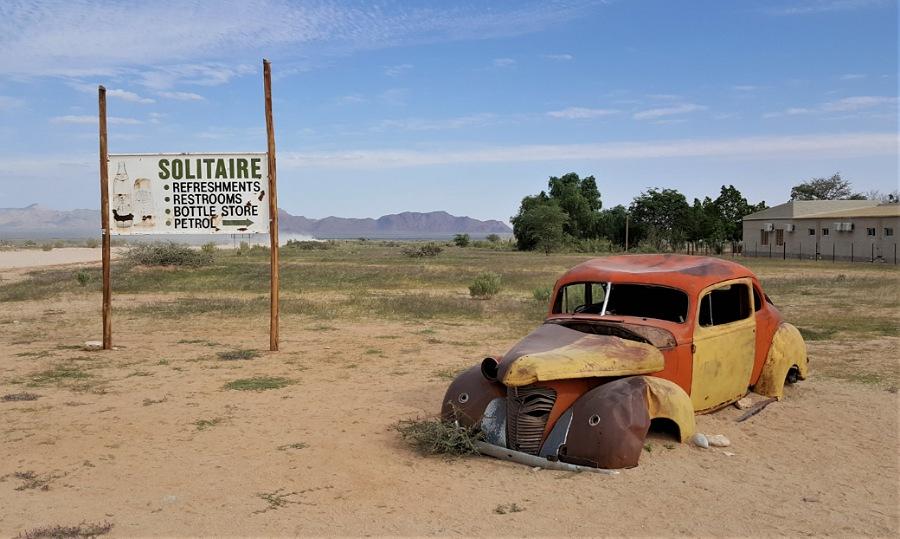 auto abbandonate a solitaire in Namibia