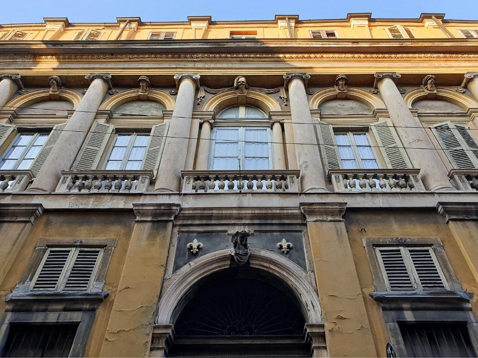 Palazzo storico_via pignolo_cosa vedere a bergamo bassa
