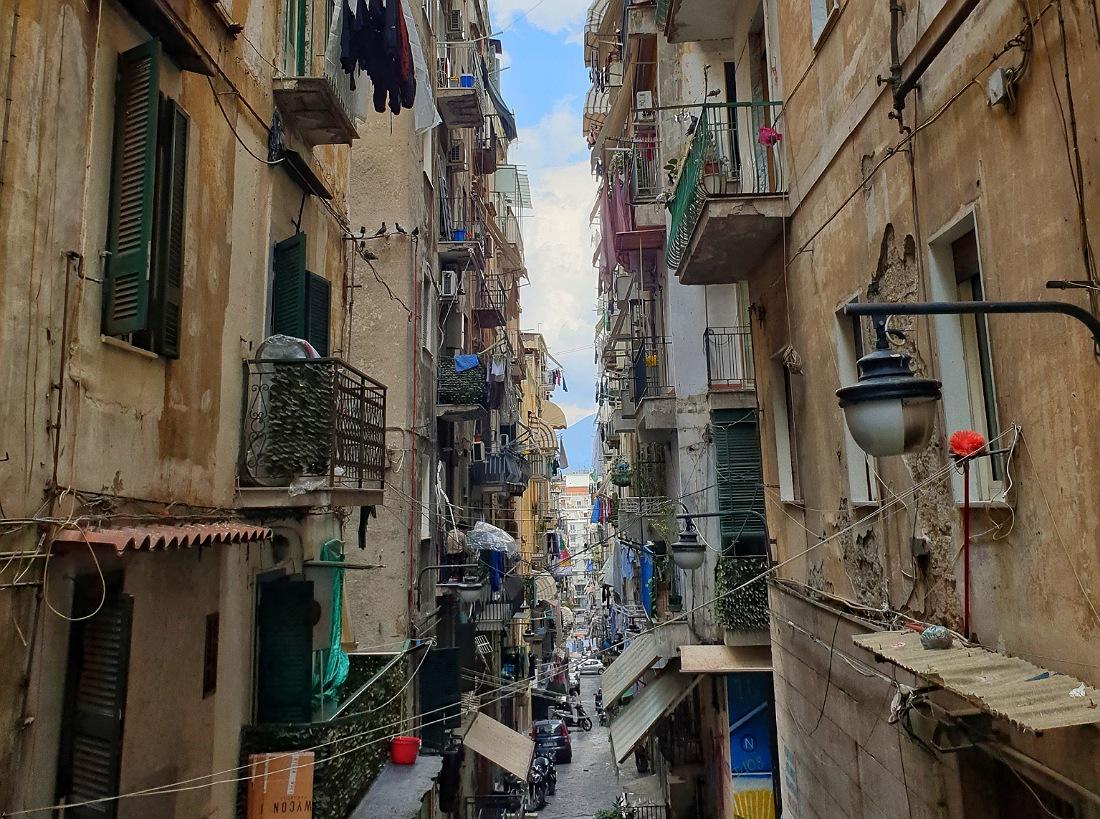 Un vicolo dei Quartieri Spagnoli_cosa vedere