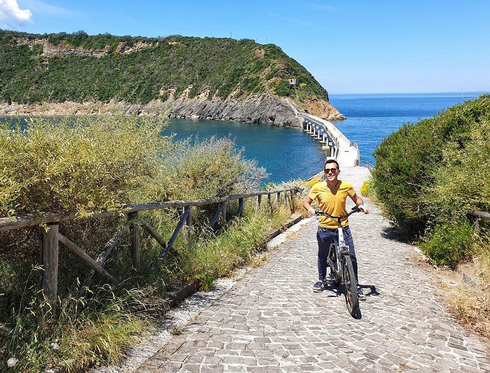 Il ponte tra Procida e l'Isola di Vivara