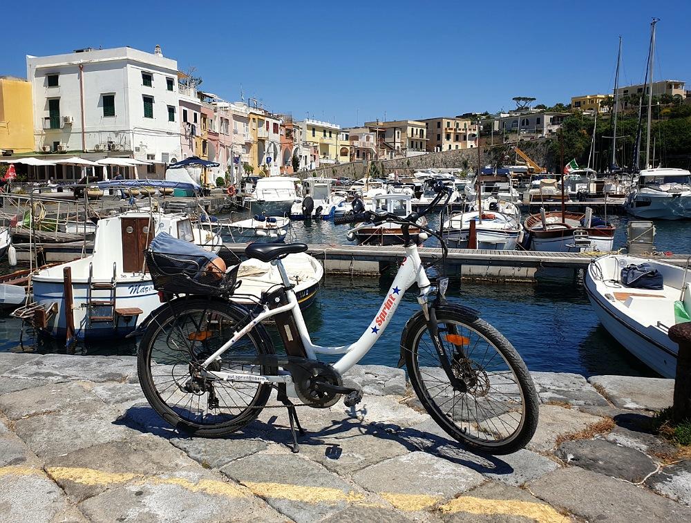 Noleggio bicicletta elettrica a Procida_cosa vedere in un giorno