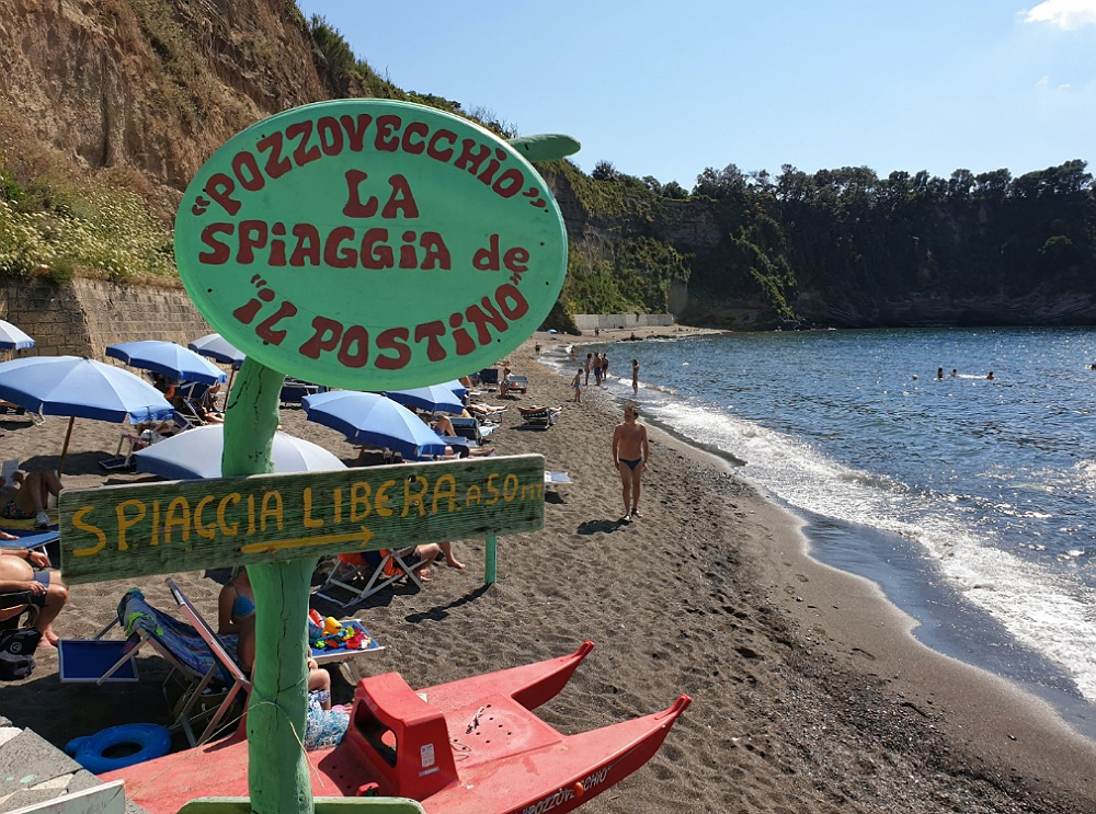 Spiaggia Pozzo Vecchio a Procida_itinerario in ebike