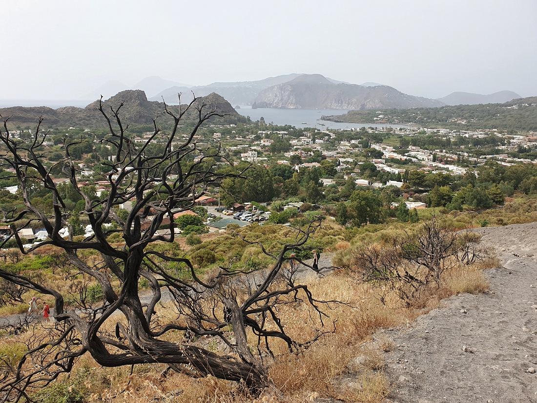 Paesaggio lungo la salita al cratere dell'Isola di Vulcano