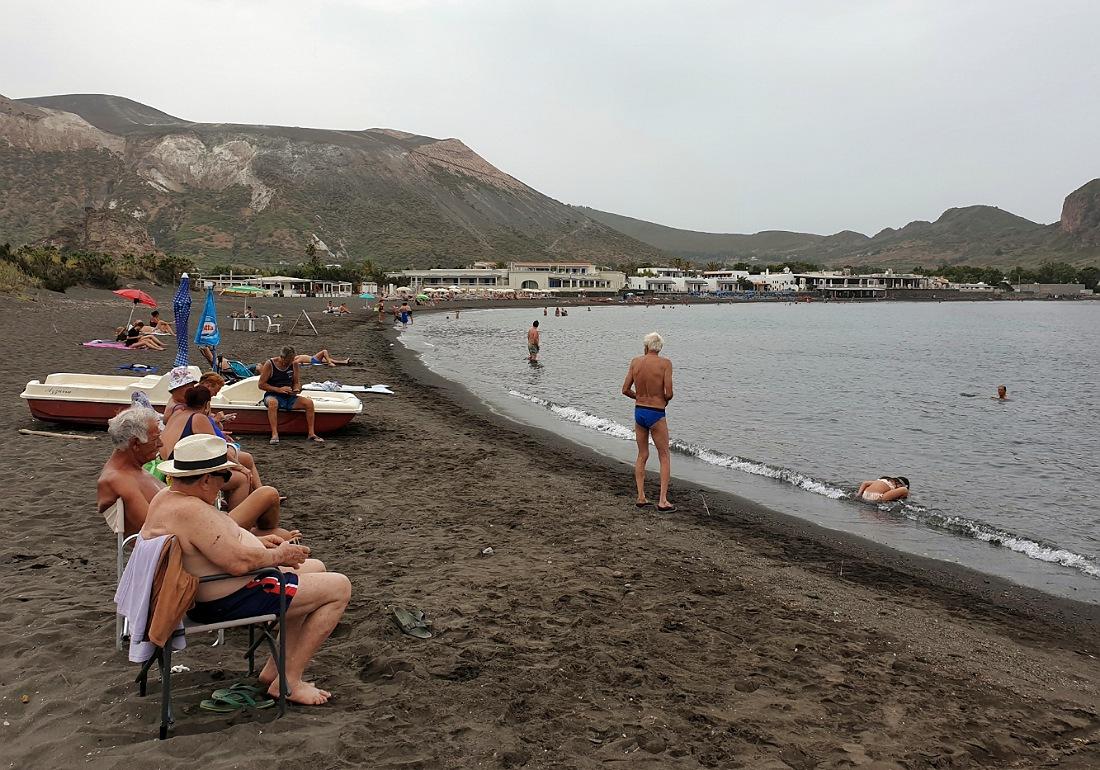 Spiaggia di Sabbie Nere sull'isola di Vulcano