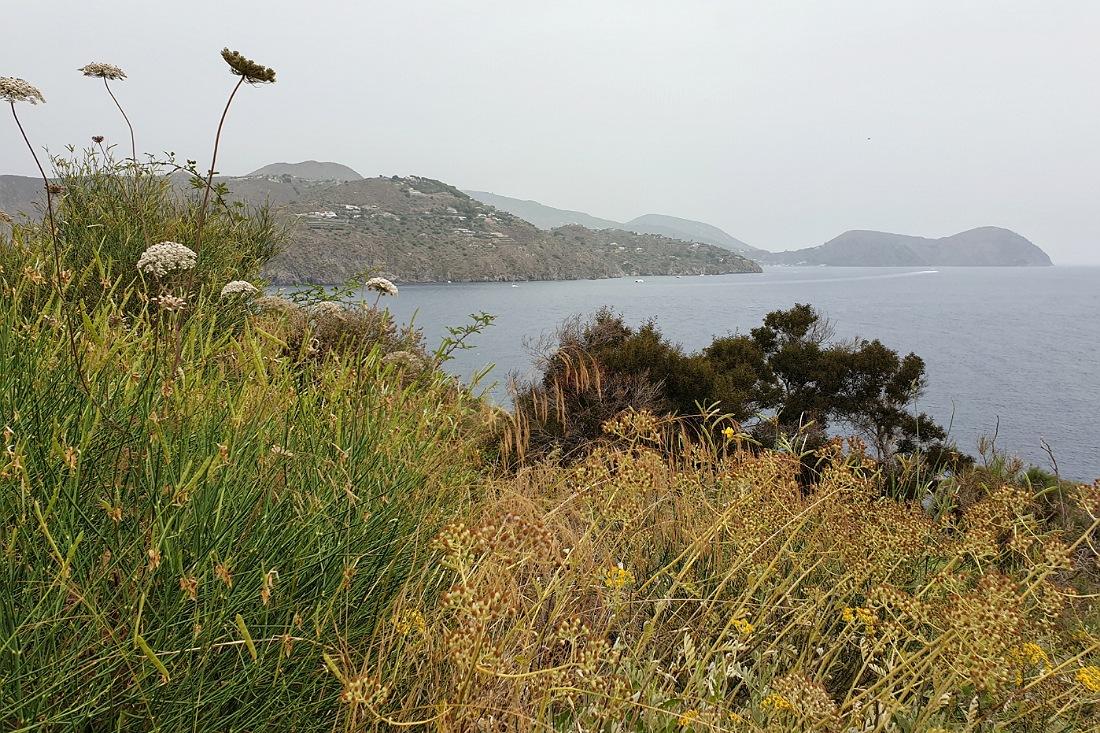 panorama da vulcanello sull'isola di vulcano_cosa fare