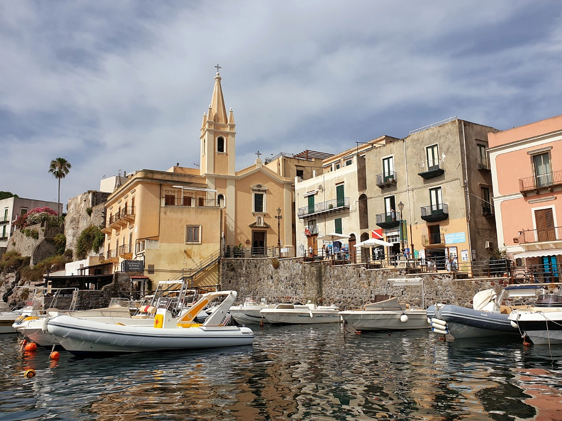 Il borgo di Marina Corta a Lipari_cosa vedere in un giorno