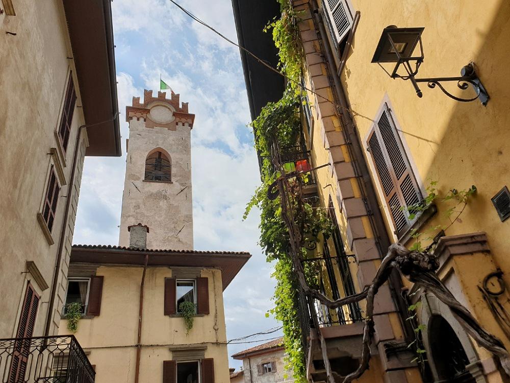 Uno scorcio del centro storico di Lovere, uno dei Borghi più Belli d'Italia