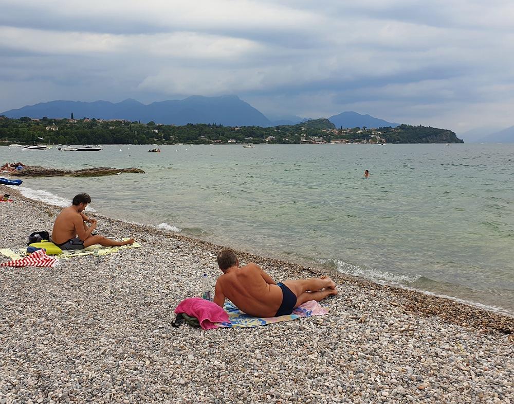 Spiaggia del Sivinos Camping a Manerba del Garda